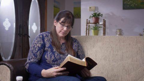 Een christelijk getuigenis: hoe te bidden voor een zoon die aan kanker lijdt