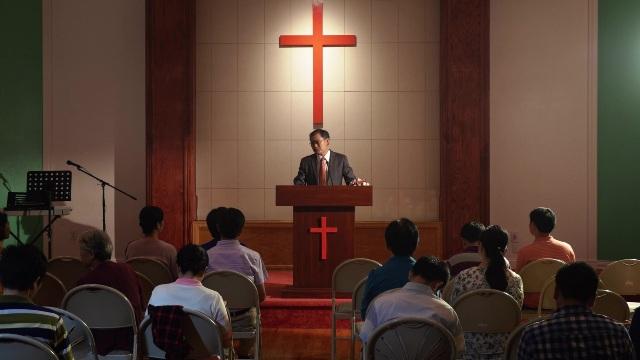 Betekent het gehoorzamen van dominees God gehoorzamen?